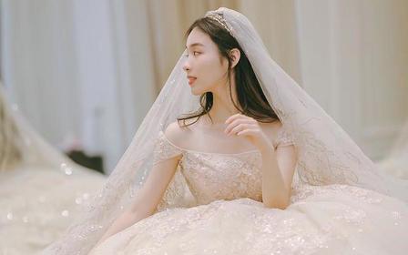 2020春新款两穿贵族领欧式拖尾婚纱