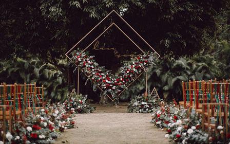 雅琼婚礼|欧式复古情调草坪婚礼|精灵的花圃