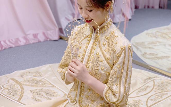 【3周年店庆】中式奢华手工钉珠太阳摆百褶款马来服