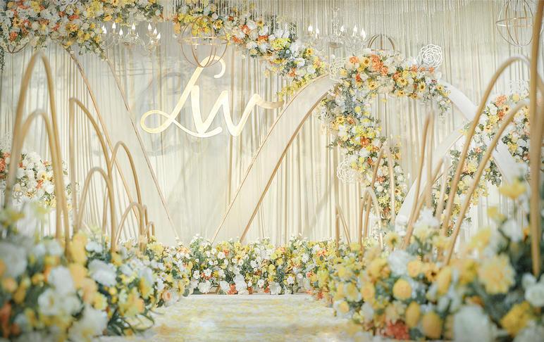 直降4000,黄白色简约清新婚礼,含4大
