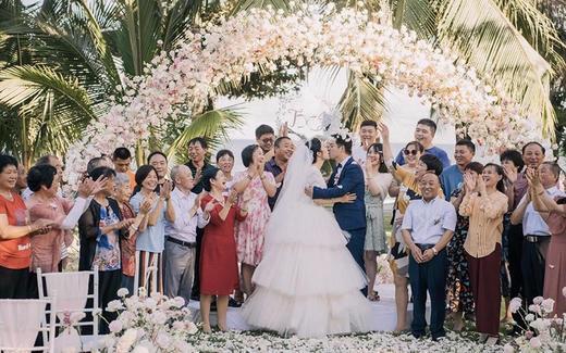 三亚婚礼|摩羯小姐的海边草坪婚礼