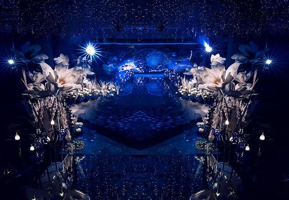 WE婚礼—8999元(含司仪化妆摄像)超值套餐