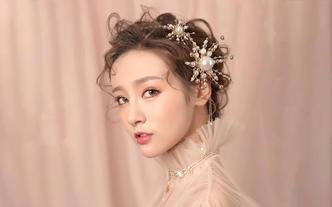 店长武汉市内早妆化妆中式齐地迎亲造型包饰品