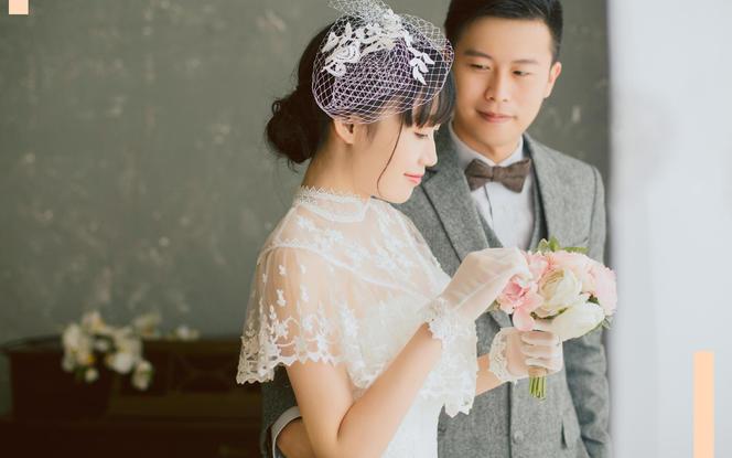 原创品牌Lilywhite女王系列定制手工婚纱
