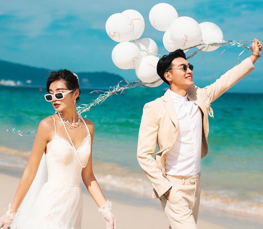 【包邮】4998送婚纱+花海+游艇+照片220张