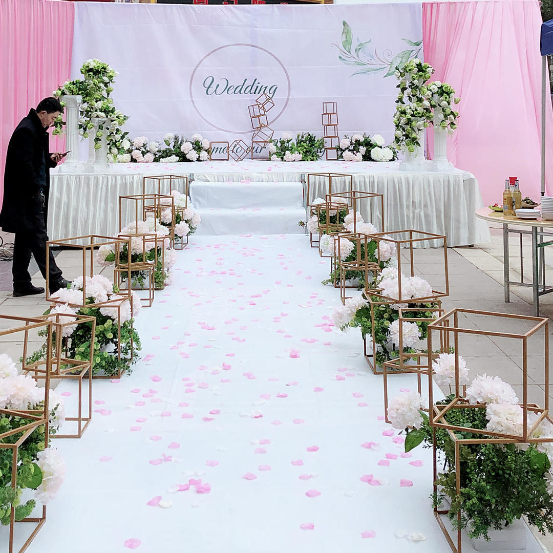 白粉色系几何路引——坝坝宴外场包含主持摄像早妆