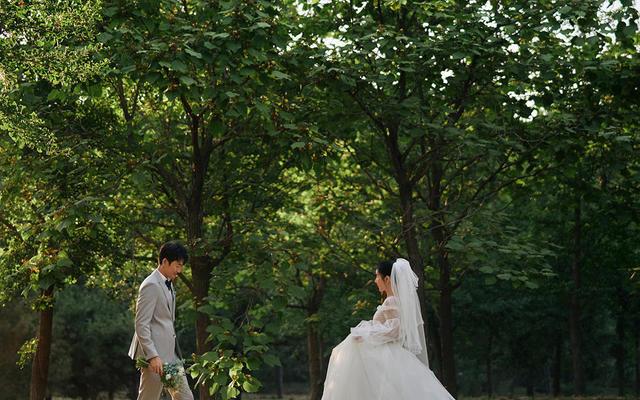 玛雅婚纱婚庆—《树荫下》