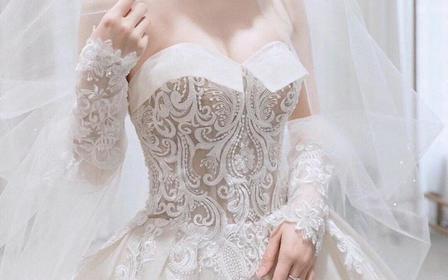 梦幻公主系列拖尾婚纱《超值租赁》可定制款