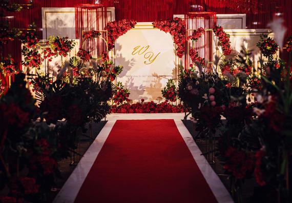 口碑第一名红与金交织婚礼(含司仪化妆摄影摄像)