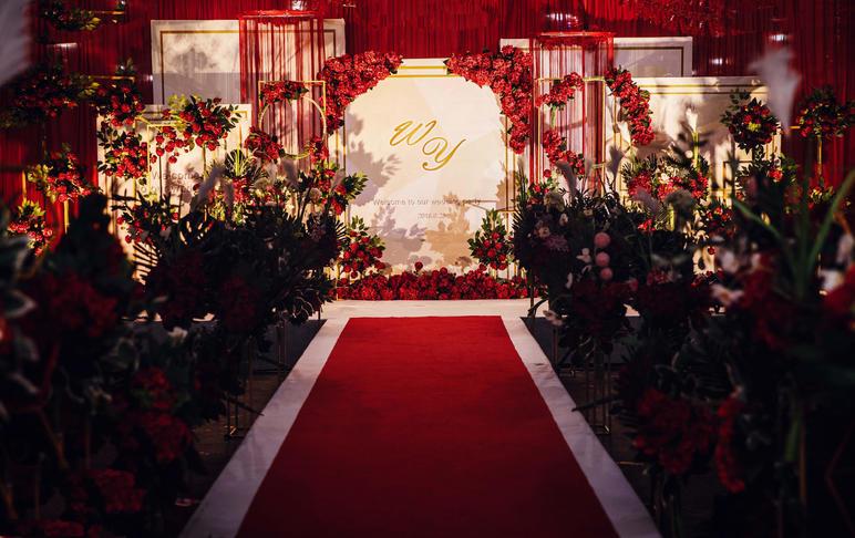 红与金交织婚礼含老板亲自司仪化妆摄像摄影