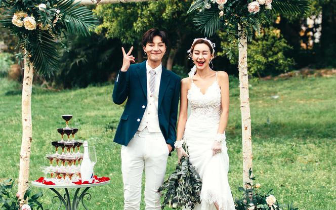 送全新婚纱一件+网红婚照系列