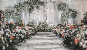 白绿色浪漫婚礼包含四大金刚