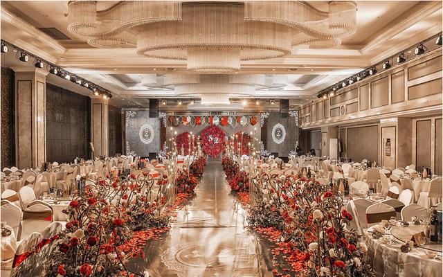 复古大气红色婚礼布置一路有你婚礼策划