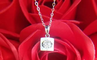 18k金钻石项链-天使之吻款