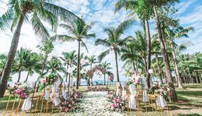 20人小型海岛婚礼|含指定五星级酒店草坪场地使用