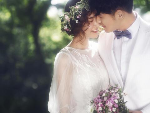 色色婚纱_【色色婚纱】冰点套系3986 -婚纱摄影【婚礼纪】