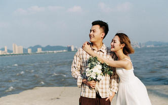 清新胶片婚纱照。我们只想做一个感情记录者