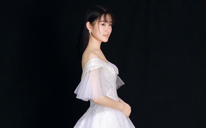 【婚礼超值套餐】全新婚纱+中式裙褂+头纱
