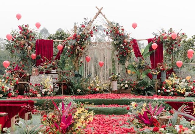 户外红色森系婚礼《春天花会开》