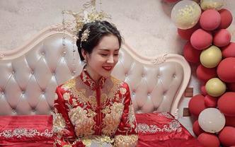 资深化妆师当天全程新娘跟妆