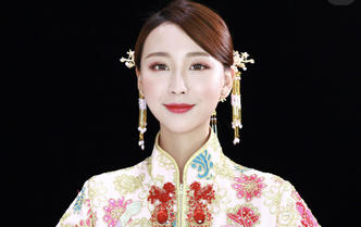 首席化妆师全程跟妆造型+三服三化