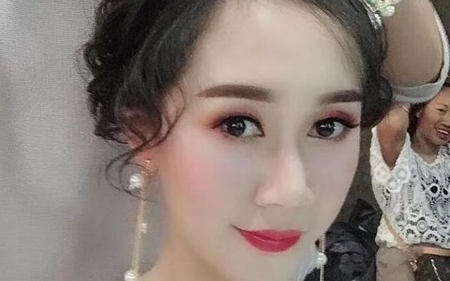 【女神必选】总监档全程跟妆+新娘服+亲友妆