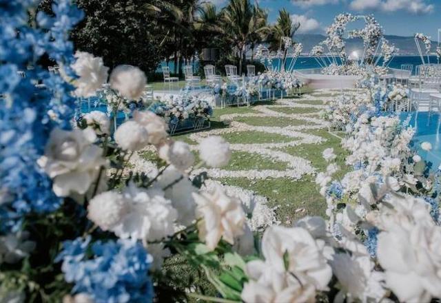 大气华贵纯洁浪漫水景草坪婚礼,白天傍晚不同效果