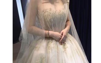 高定拖尾主婚纱+中式出门服+高定礼服+新娘跟妆