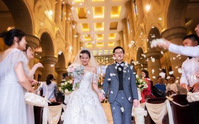 【卡弗丽婚纱礼服】多机位拍摄暖色系教堂婚礼