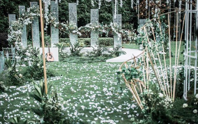 维恋婚礼--白绿色现代风户外婚礼