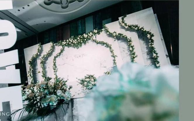 [人气好评]资深主持+全程新娘秘书+婚礼双督导
