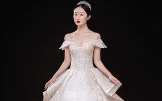 【国际名品】宫廷婚纱10件套+龙凤褂+男士礼服