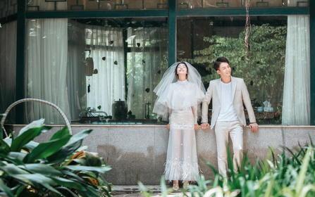 七本相册+二十个框+送婚纱+送酒店+总监拍摄