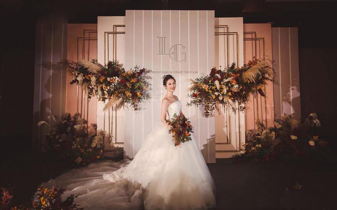 橙灰色泰式简洁风 优雅高贵婚礼策划