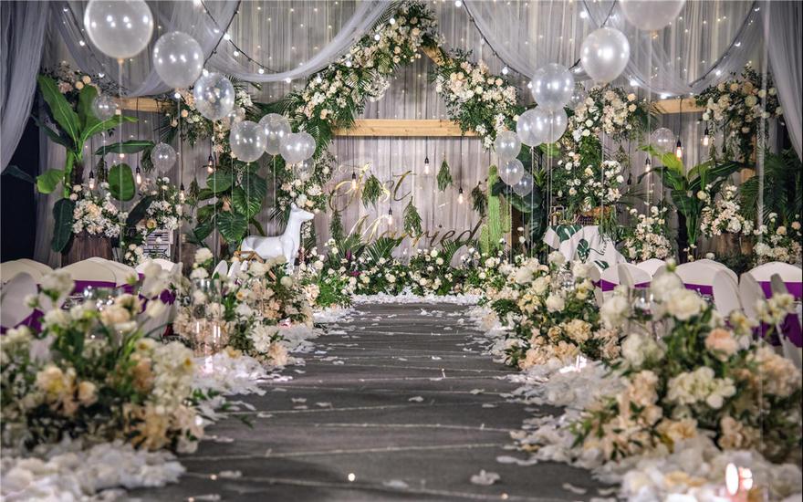白绿色气球森系微梦婚礼婚庆布置