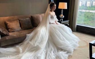 婚礼当天新娘半程早妆 不跟妆