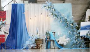 雾霭蓝室内小清新低预算婚礼