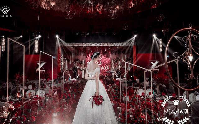 梦中的婚礼,大概就是这样吧。