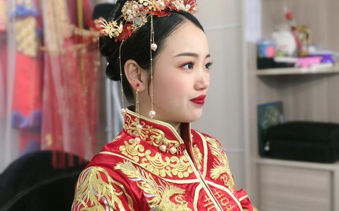 水仙新娘 | 新娘早妆 提供头饰