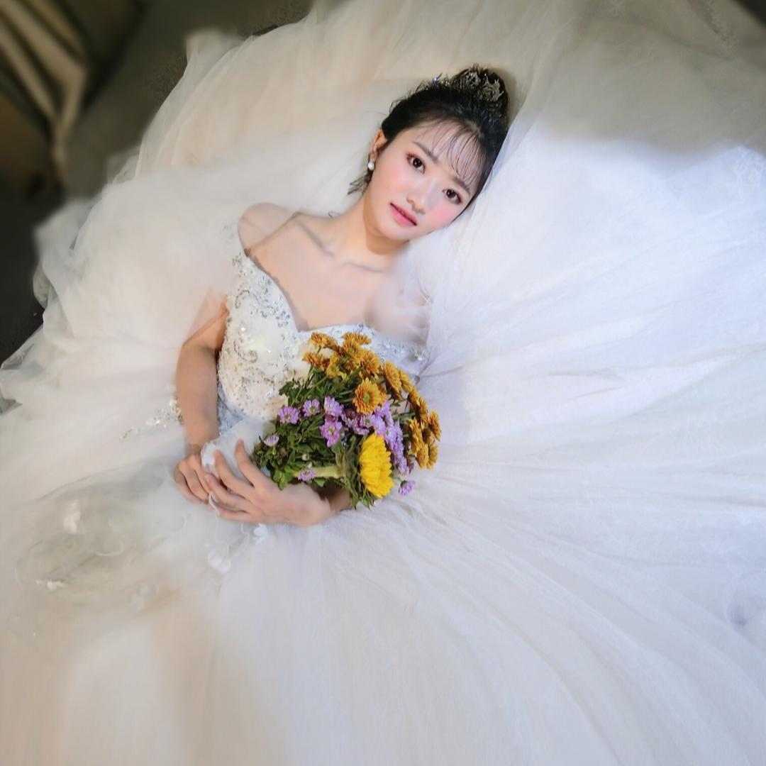 艾薇婚纱礼服馆 新娘化妆 跟妆 化妆培训