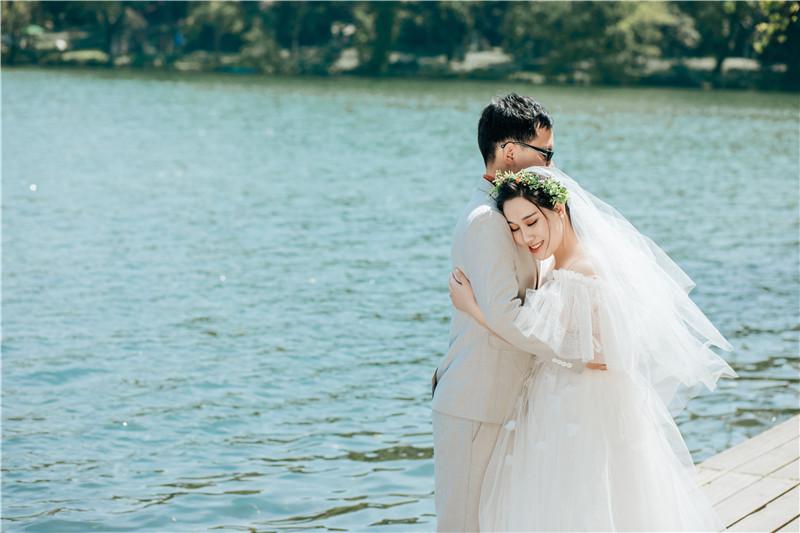 拍婚纱照要看日子吗_图不重要看字图片