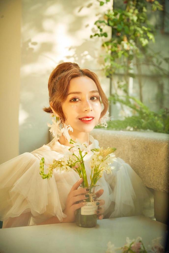 冬天也能氧气满满💐婚礼跟妆➕租婚纱,一步到位!