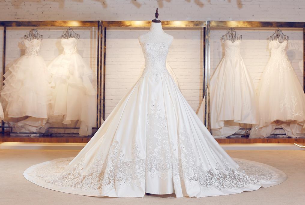 婚纱哪里有_婚纱图片唯美