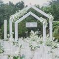 重庆婚礼酒店草坪上的浪漫森系婚礼