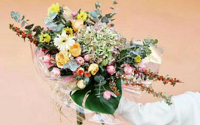 520节日花束(52支玫瑰:我爱你)