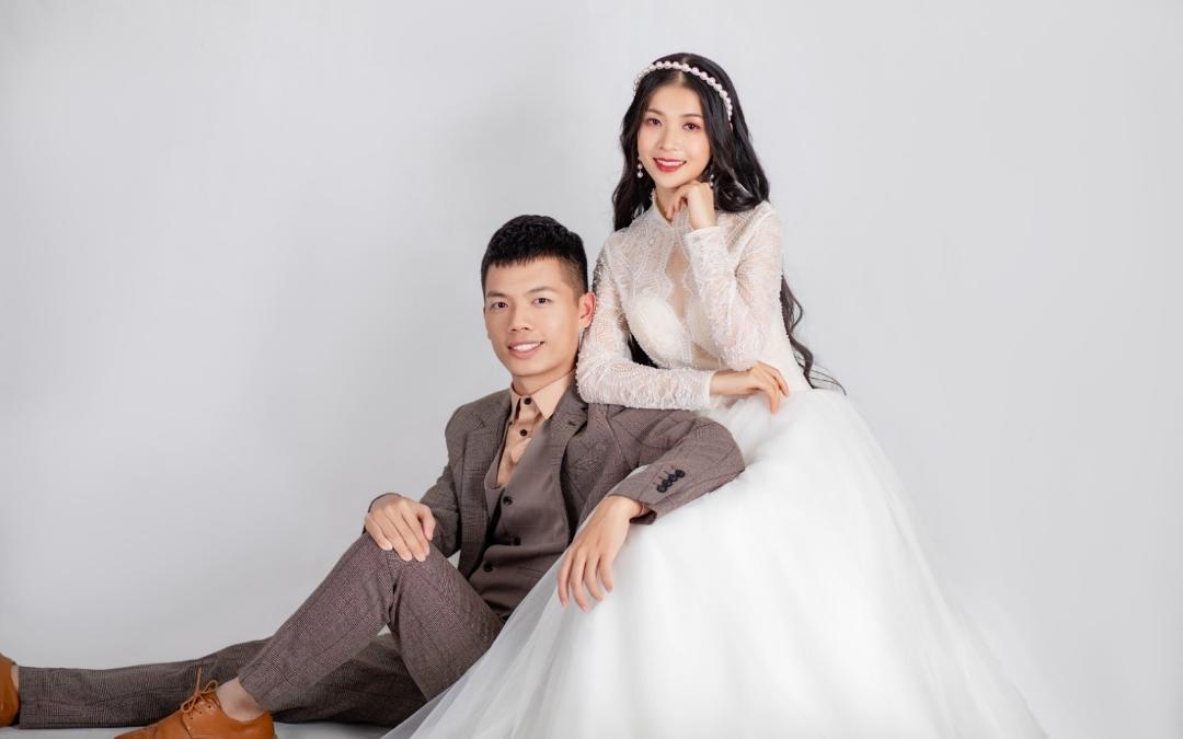 NY视觉婚纱摄影_纯室内婚纱照