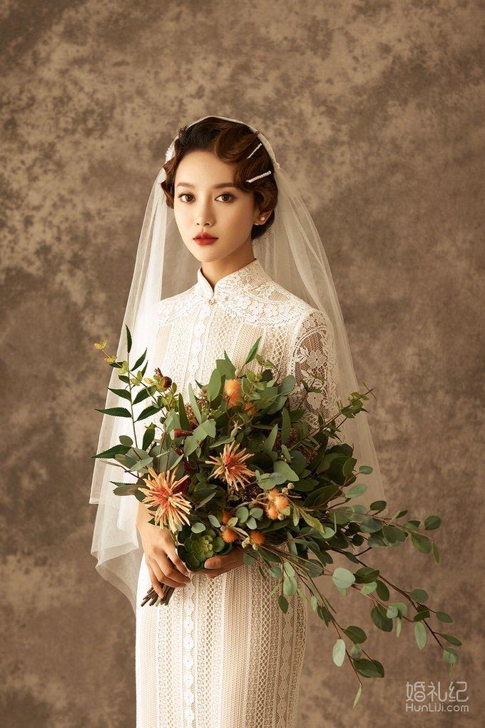 旗袍民国复古风和花鸟华丽新中式,大家更喜欢哪个?
