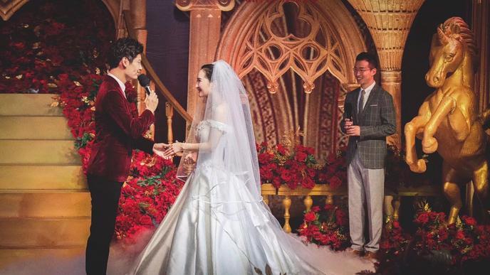 开心幸福的婚礼圆满完成了