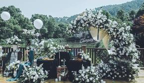 绿白色森系田园花艺饱满清新浪漫婚礼