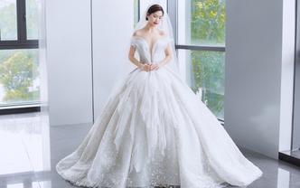 【超值套餐】女王爆款婚纱+中式秀禾+敬酒礼服
